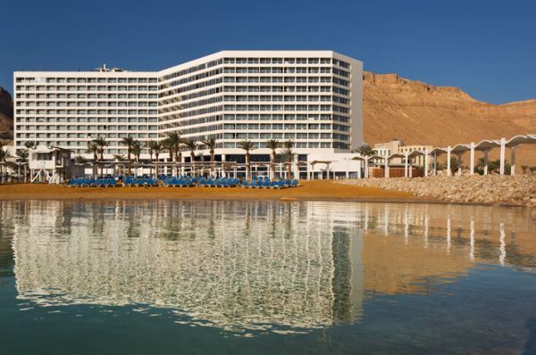 в Мертвое море Краун Плаза