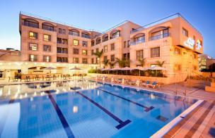 בית מלון אסטרל קורל