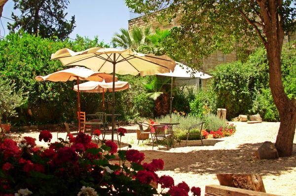 בית מלון בית קטן בבקעה ירושלים