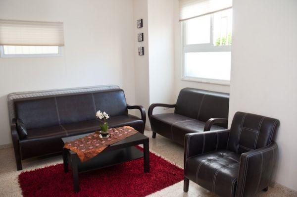 בית מלון ארלוזורוב סוויטס  ב תל-אביב והמרכז