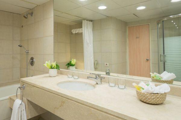 гостиница все включено  Леонардо Клаб в Мертвое море - Свита с 2 раздельными спальнями