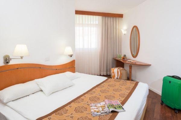 Леонардо Клаб отель all inclusive  Мертвое море - Свита с 2 раздельными спальнями