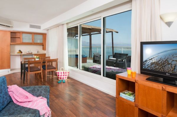 Леонардо Клаб отель все включено в  Мертвое море - Свита с 2 раздельными спальнями