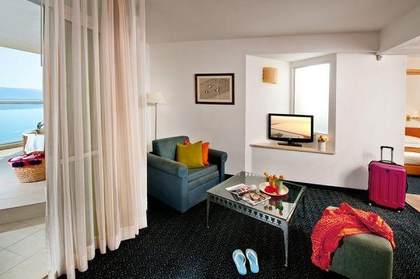 בית מלון הכל כלול לאונרדו קלאב בים המלח - סוויטה  סופריור ג'וניור