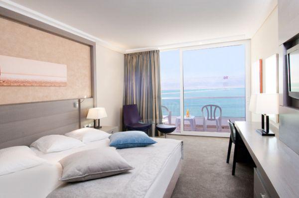 בית מלון קראון פלזה בים המלח - חדר קלאב עם טרקלין