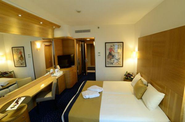 בית מלון הוד המדבר ב ים המלח - סופריור