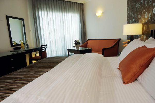 בית מלון דניאל 5 כוכבים ים המלח - חדר קלאסיק עם מרפסת