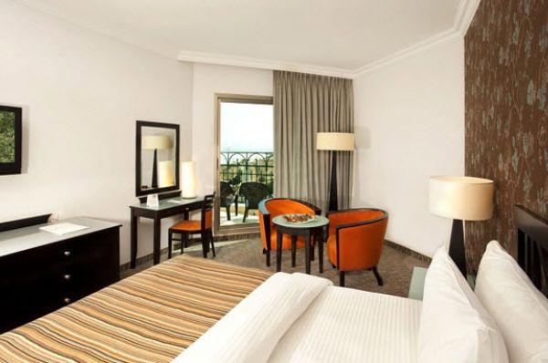 מלון יוקרה דניאל בים המלח - חדר דלקס עם מרפסת