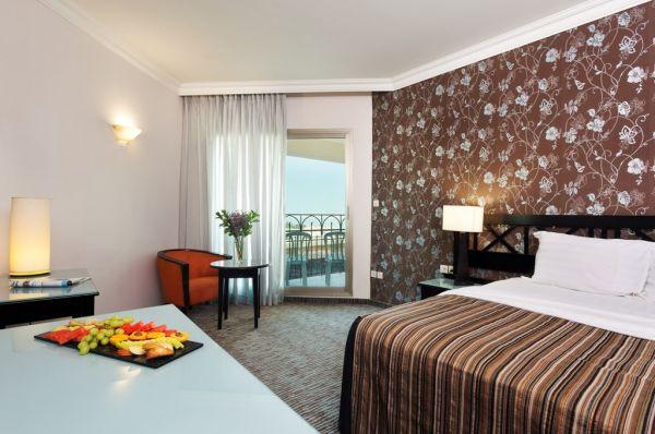 מלון יוקרתי דניאל ים המלח - חדר דלקס עם מרפסת