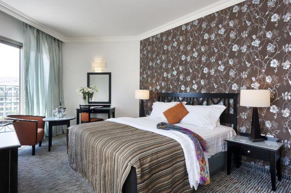מלון 5 כוכבים דניאל ים המלח - חדר סופר דלקס עם מרפסת