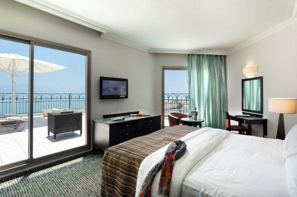 מלון דה לוקס דניאל ים המלח - חדר סופר דלקס עם מרפסת