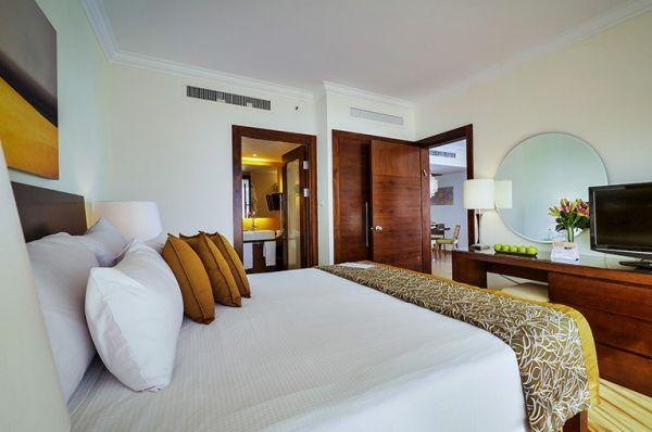 בית מלון דלוקס ישרוטל  בים המלח - סוויטה