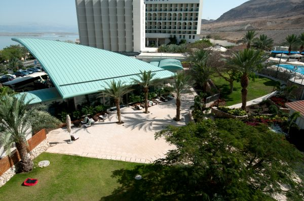 בית מלון אואזיס ב ים המלח