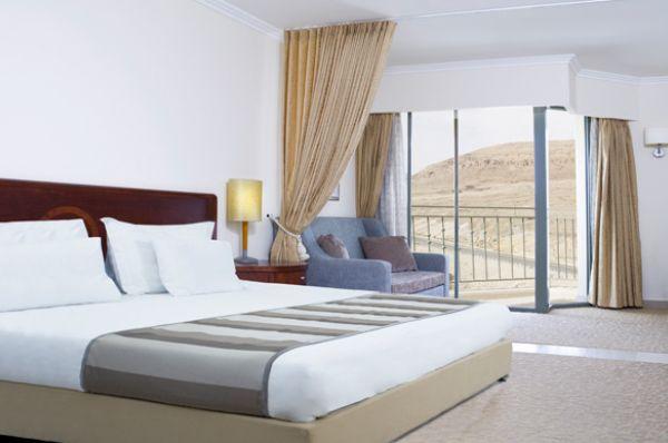 малон  Роял Мертвое море - Люкс с видом на горы