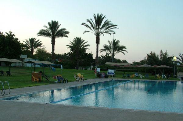 отдых на природе  Альмог Мертвое море