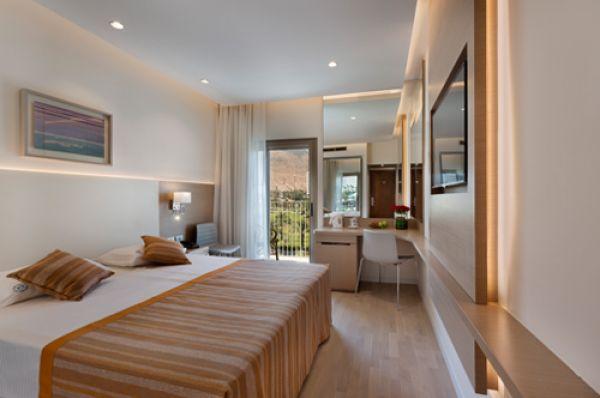 מלון לוט ספא - חדר פונה לים