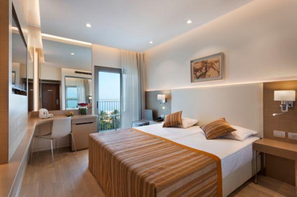 לוט מלון ספא - חדר פונה לים