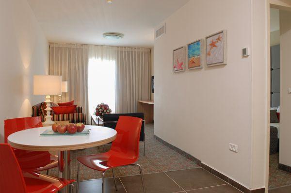 בית מלון אסטרל נירוונה סוויטס הכל כלול - סוויטות