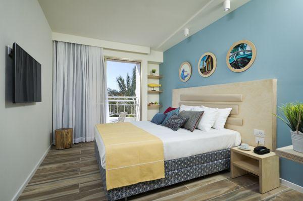 Би Клаб отель все включено в  Эйлат - Стандартный Номер с балконом