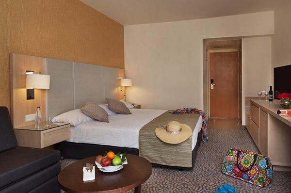 מלון ישרוטל לגונה הכל כלול באילת - חדר פונה לבריכה