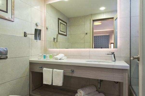 בית מלון אסטרל ויליג' באילת
