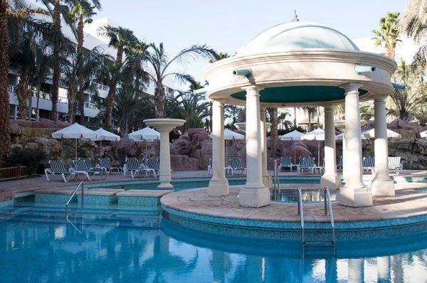 בית מלון ישרוטל רויאל גארדן ב אילת