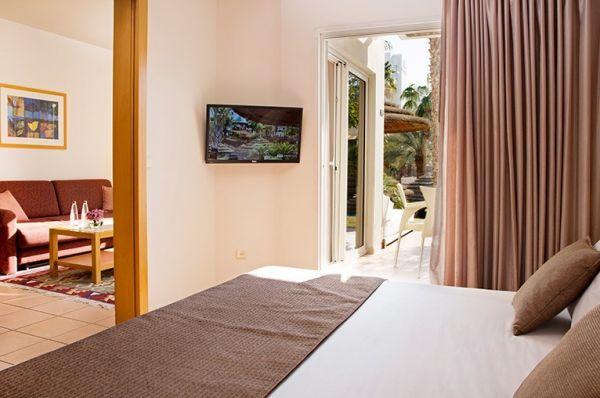 בית מלון ישרוטל רויאל גארדן - סוויטת גן