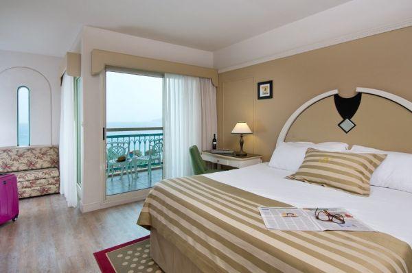 отель  Херодс Палас 5 звезд в Эйлат - Номер Grand Club