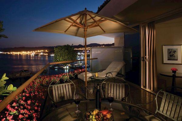 מלון יוקרתי ישרוטל רויאל ביץ`
