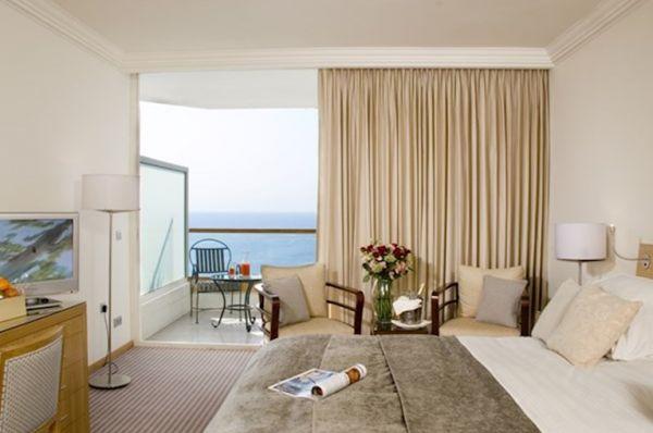 בית מלון דלוקס ישרוטל רויאל ביץ` באילת