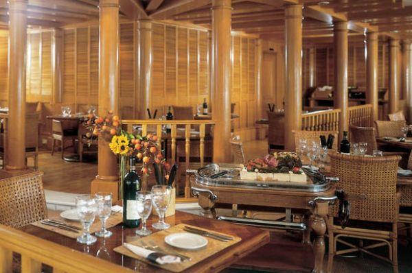 מלון דה לוקס ישרוטל רויאל ביץ`
