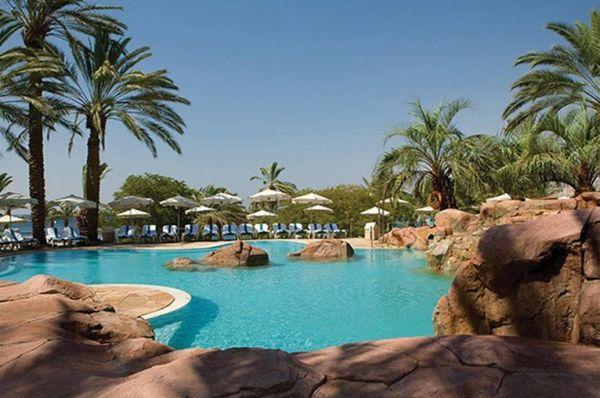 בית מלון יוקרתי ישרוטל רויאל ביץ`