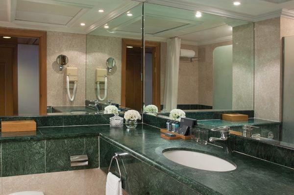 בית מלון יוקרתי ישרוטל רויאל ביץ` אילת - סוויטה בלוויסטה
