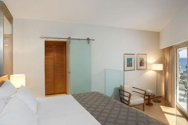 מלון דלוקס ישרוטל רויאל ביץ` - סוויטה ג'וניור