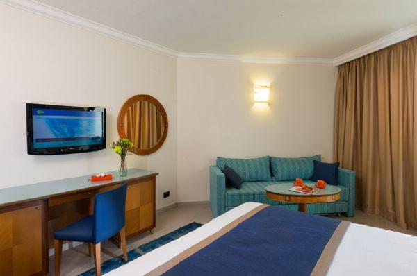 בית מלון מג`יק פאלאס - סופריור עם מרפסת