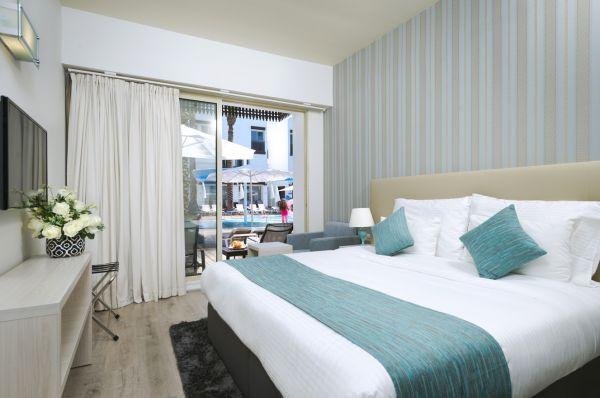 בית מלון פגסוס ב אילת -  חדר פונה  לבריכה