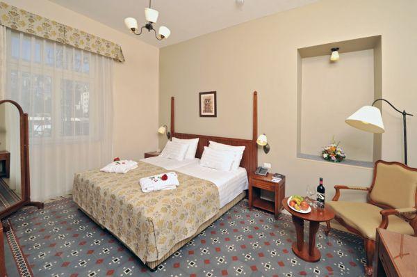 בית מלון קולוני ב חיפה - דה לקס