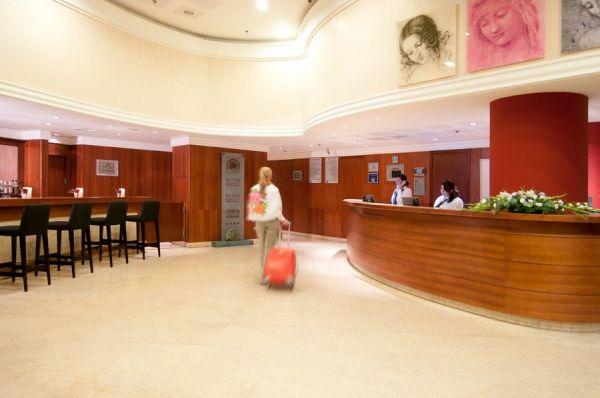 בית מלון לאונרדו פלאזה
