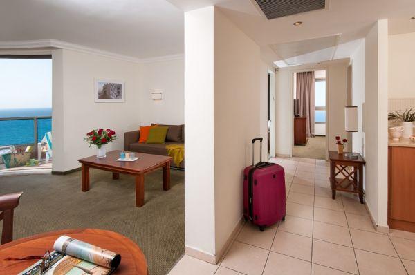 בית מלון לאונרדו פלאזה ב חיפה