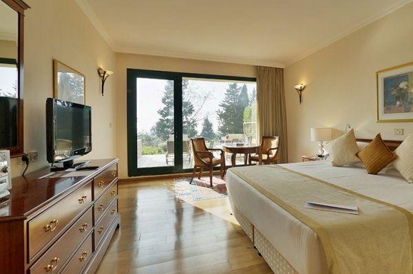 בית מלון דלוקס יערות הכרמל בחיפה - חדר גן