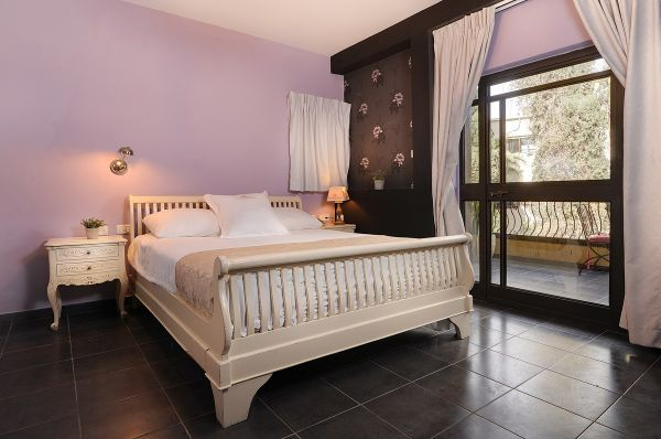 בית מלון חיפה וילה כרמל - דלקס עם מרפסת