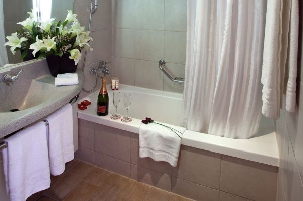 בית מלון לאונרדו ירושלים - סופריור