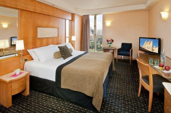 בית מלון לאונרדו פלאזה - דלקס עיר החדשה