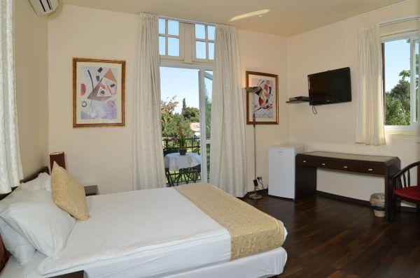 בית מלון בית קטן במושבה ירושלים