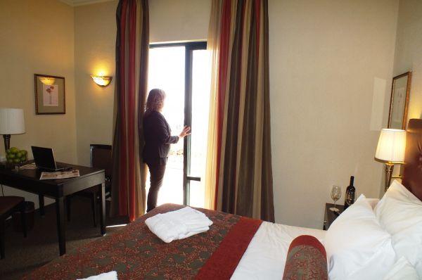 בית מלון פרימה המלכים - חדר דלקס עם מרפסת