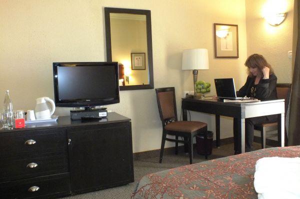 בית מלון פרימה המלכים ירושלים - חדר דלקס עם מרפסת