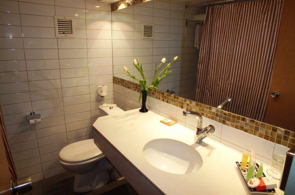 בית מלון ירושלים פרימה המלכים - חדר דלקס עם מרפסת