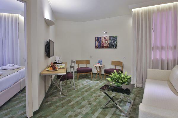 בית מלון פרימה פארק ב ירושלים - ג'וניור סוויטות