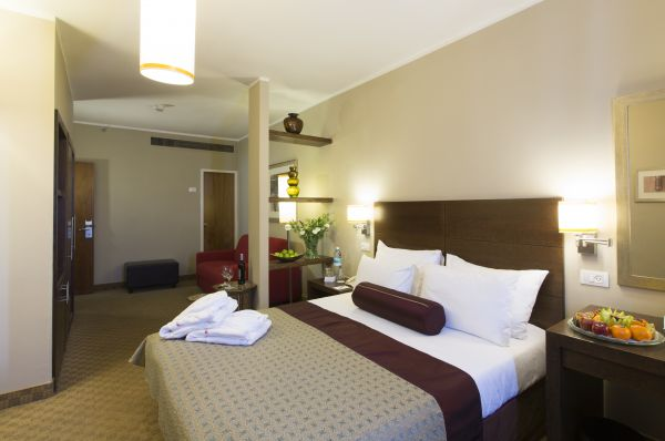 בית מלון פרימה רויאל ב ירושלים - סוויטה ג'יניור