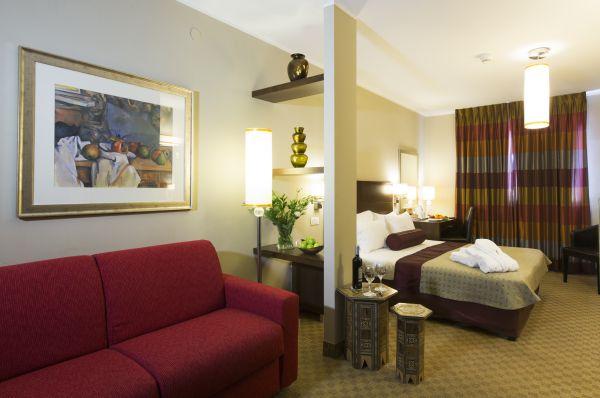 בית מלון פרימה רויאל בירושלים - סוויטה ג'יניור